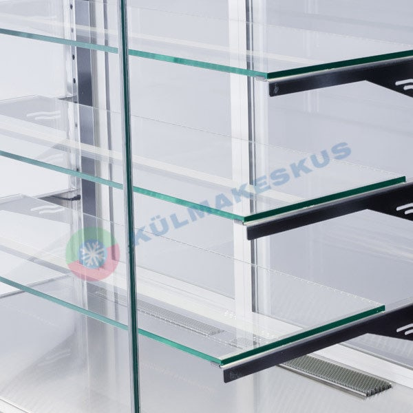 kondiitirlett-cube-transparent-riiulid