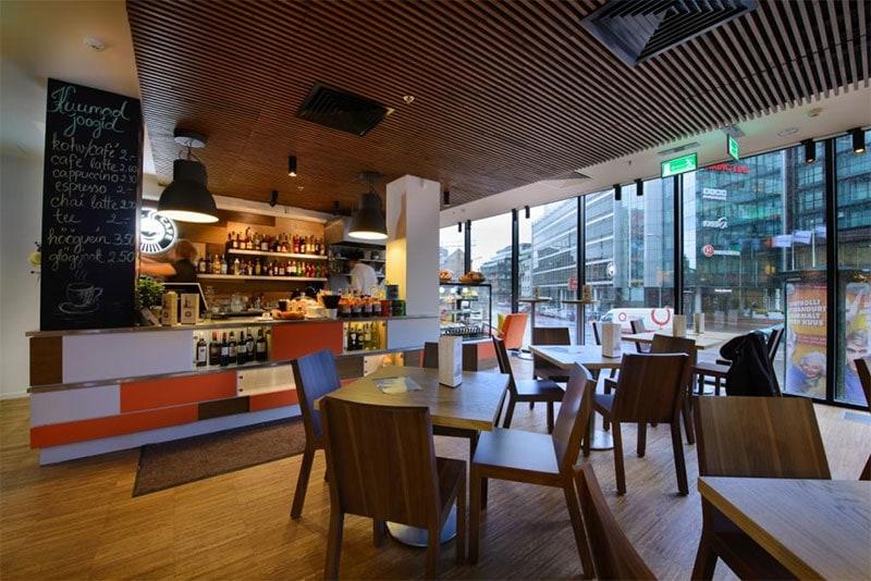 Reval Cafe, Postimaja